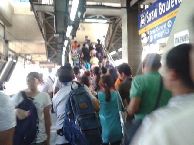 mrt northbound trains resume following signal problems