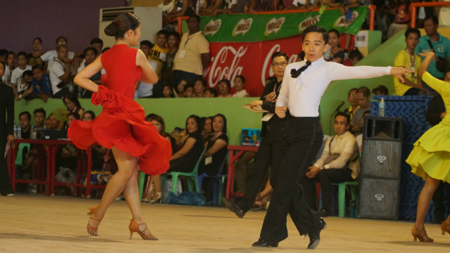 DANCE YOUR HEART. Heather Parangan and Marc Layson compete in the Latin American-Junior category at the Palarong Pambansa 2017 in San Jose de Buenavista, Antique. Photo by Marie Andrea Pefianco/ Rappler