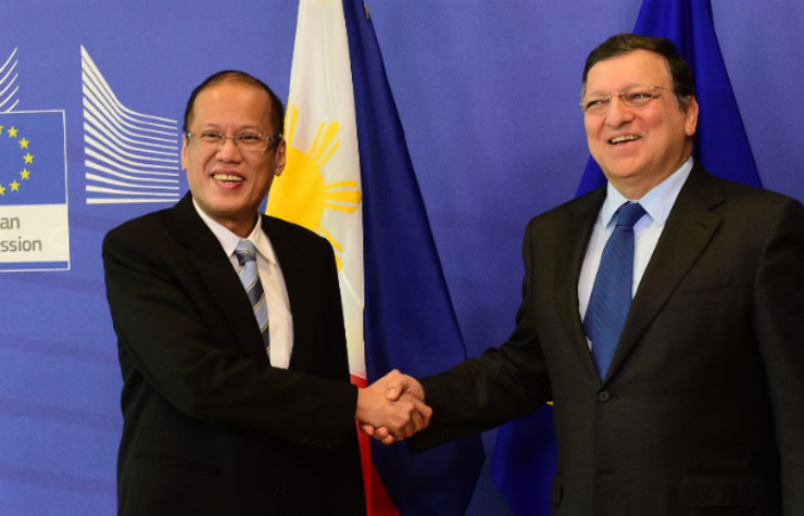 UPHOLDING UNCLOS. European Commission President Jose Manuel Barroso (right) greets Philippine President Benigno Aquino III (left) at the European Commission in Brussels on September 15, 2014. Photo by Emmanuel Dunand/AFP