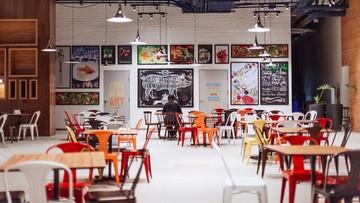 UPTOWN MALL'S FOOD HALL. Photo by Karen de la Fuente/Rappler