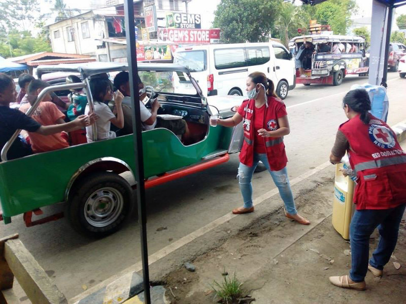 AID. Humanitarian groups like the Philippine Red Cross (PRC) provide aid to thousands of evacuees affected by the armed conflict in Marawi City. Photo courtesy of PRC