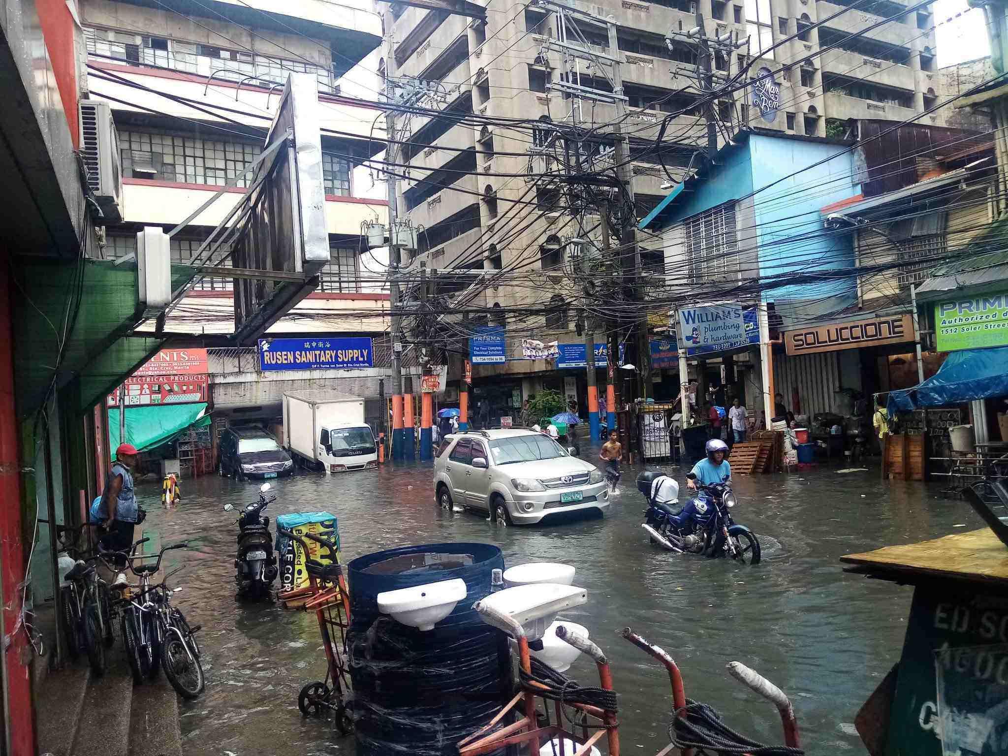 FLORENTINO Street in Sta. Cruz, Manila. Photo by Twitter user @travelferdie