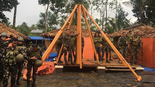 从头开始。部队争夺最快的团队组建临时住所
