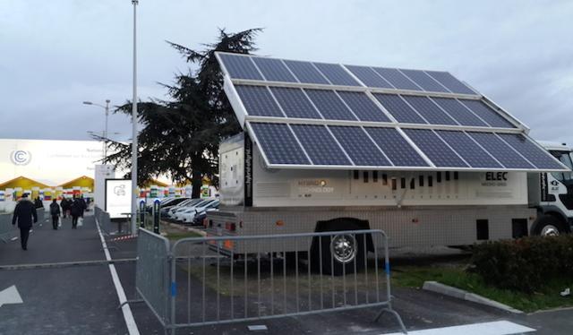 COP 21. Solar panel untuk pengisian batere mobil hibrida di COP 21. Foto oleh Uni Lubis/Rappler.com