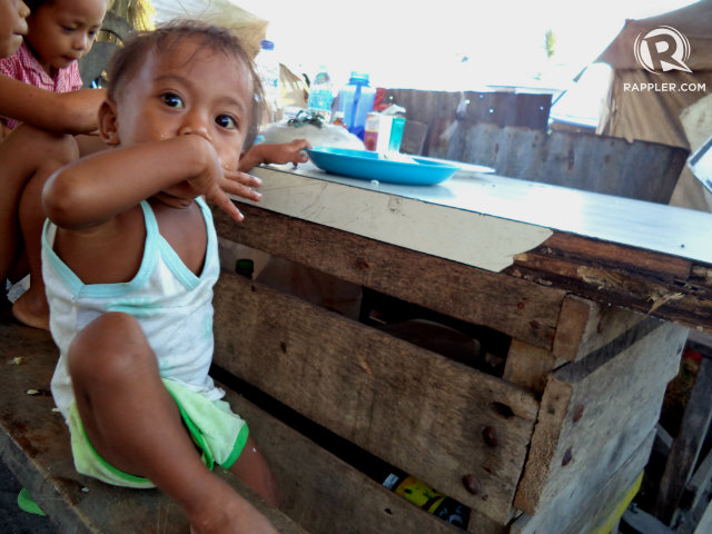 POOR NUTRITION. The National Nutrition Council advises the public to look out for candidates who include hunger and nutrition in their agenda. File photo by Fritzie Rodriguez/Rappler