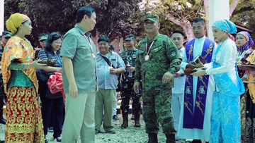 UPGRADE. Armed Forces chief General Ricardo Visaya and retired General Emmanuel Bautista inaugurate a newly renovated military hospital in Jolo, Sulu. Photo from PH military