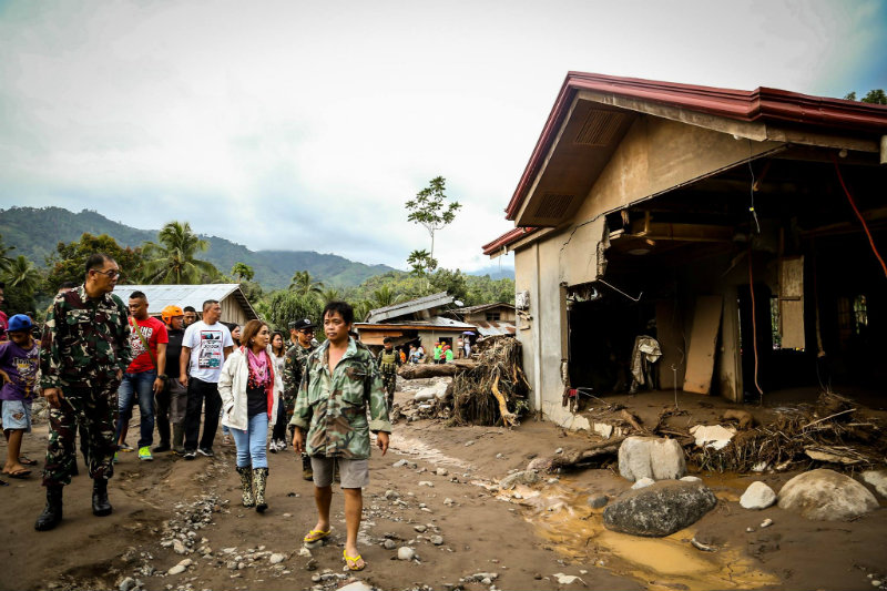 STATE OF CALAMITY. Lanao del Norte Governor Imelda Quibranza Dimaporo visits the evacuation center of Barangay Dalama following the declaration of state of calamity in the province. Photo from the Province of Lanao del Norte Facebook page