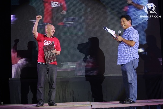 ROAD TO COMPROMISE. File photo of chief government negotiator Silvestro Bello III (right) and NDF panel head Fidel Agcaoili in Mindanao. File photo by Manman Dejeto/Rappler