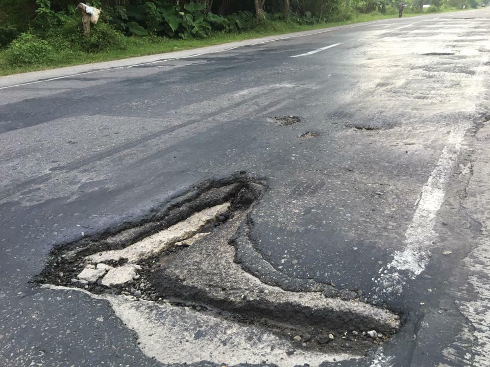 DEFECTIVE. Another portion of the road where motorists tend to get into crashes. Photo from The Philippine News Facebook page