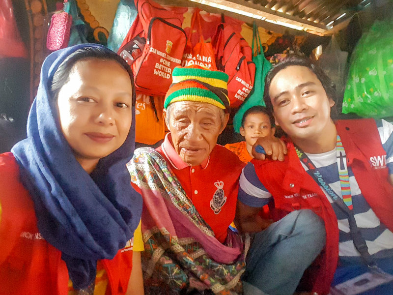 INSPIRED.  Jamila Taha and Charl John Flora from the Department of Social Welfare Development finds Datu Mangontra Sultan in  in Balo-i, Lanao del Norte. Photo by Charl John Flora