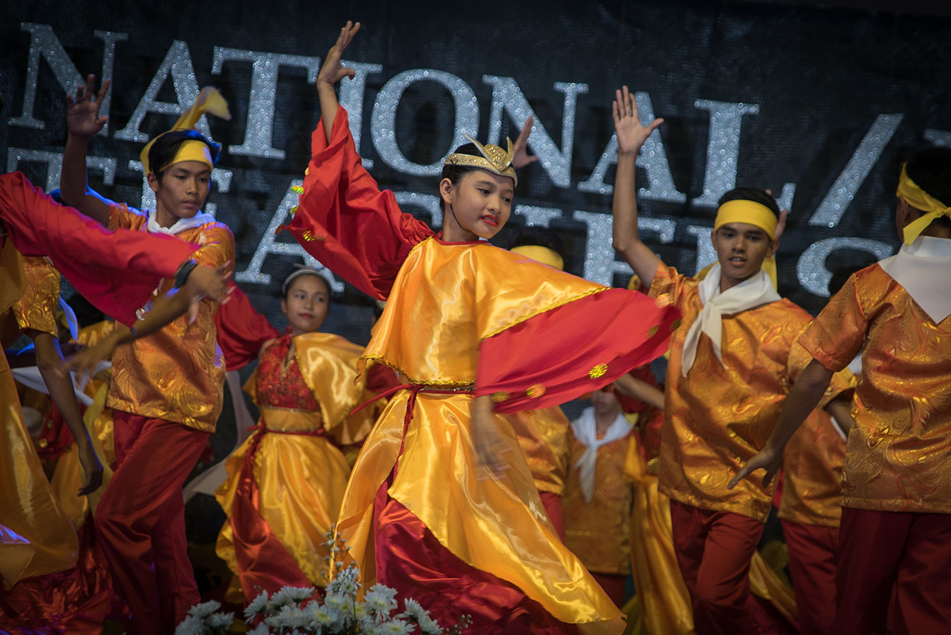 TRIBUTE. Students from Legazpi City showcase the region's festivities through dance and music. All photos by Vee Salazar/Rappler