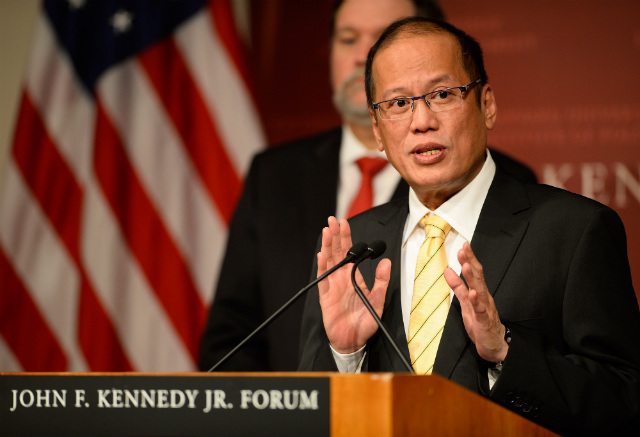FACING CHINA. Philippine President Benigno Aquino III says he is concerned about China's moves in the disputed South China Sea. In this photo, he speaks at Harvard University's John F Kennedy School of Government in Cambridge, Massachusetts, USA on September 22, 2014. Photo by CJ Gunther/EPA