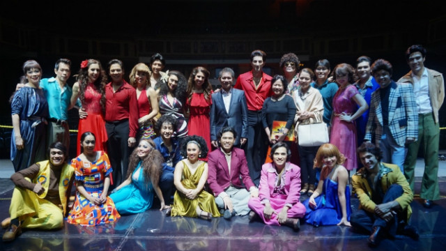 IMG_8537: FILIPINO PRIDE. The cast of Saturday Night Fever: The Musical with Philippine Ambassador to Malaysia, J Eduardo Malaya (Middle, Second Row), Minister and Counsellor Ma. Antonina Mendoza-Oblena (8th from R, Second Row), and Third Secretary and Vice Consul Alvin Malasig (5th from R, Second Row). Photo by Carol Ramoran.