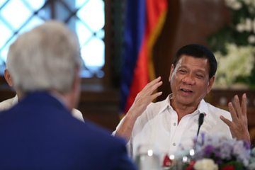 PH-US RELATIONS. Philippine President Rodrigo Duterte shares a light moment with US Secretary of State John Kerry during a courtesy call at the President's Hall of the Malacanang Palace on July 27, 2016. Photo by King Rodriguez/PPD