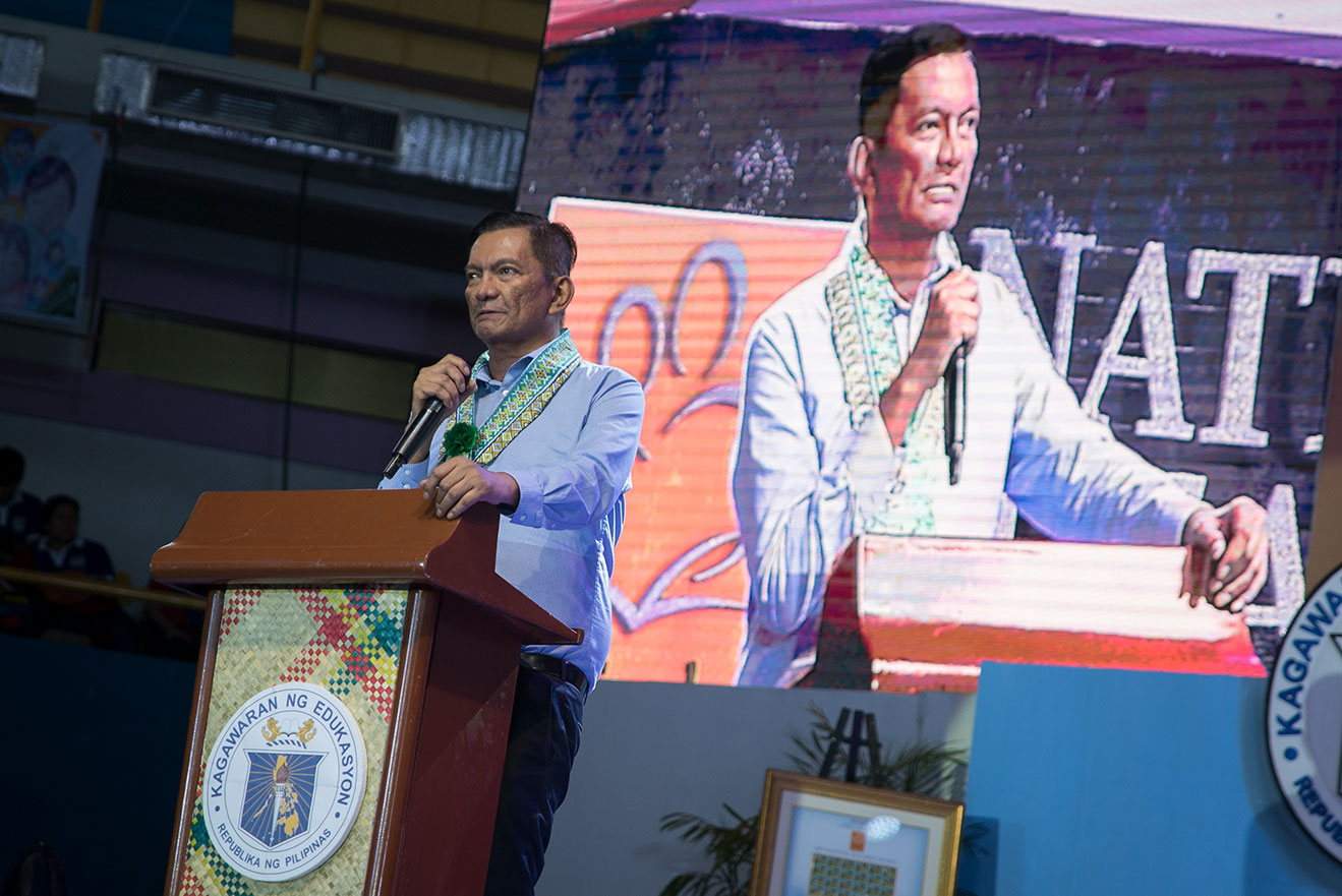 WELCOME. Congressman Joey Salceda of the 2nd District of Albay welcomes teachers to Legazpi City during the celebration of the National Teachers' Day. He says he is a product of two teachers.