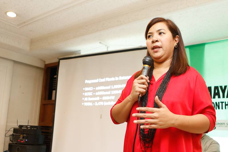 FIGHT VS COAL. Former Batangas City Councilor Kristine Balmes shared insights during the forum together with representatives of Piglas Pilipinas, on the struggles of fighting coal operations. Photo by AC Dimatatac
