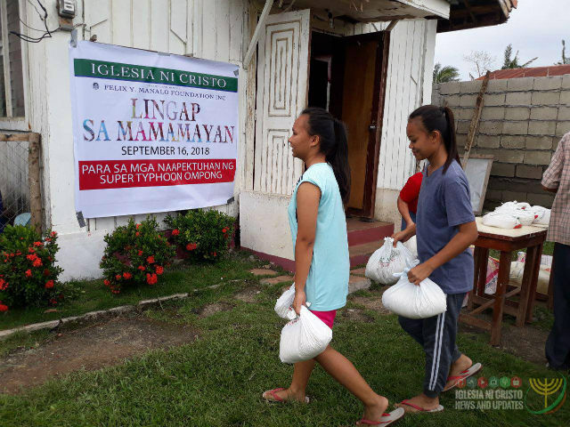 RELIEF GOODS. The Iglesia ni Cristo's Lingap sa Mamamayan in Baggao, Cagayan, benefits Iglesia ni Cristo members and nonmembers alike. Photo from Iglesia ni Cristo News and Updates on Facebook