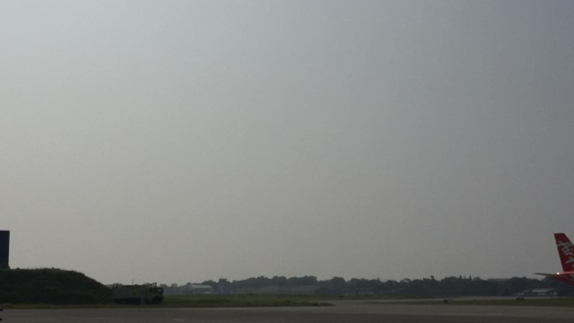 THICK. Thick haze is seen at the Puerto Princesa International Airport. Photo by Keith Anthony Fabro/Rappler