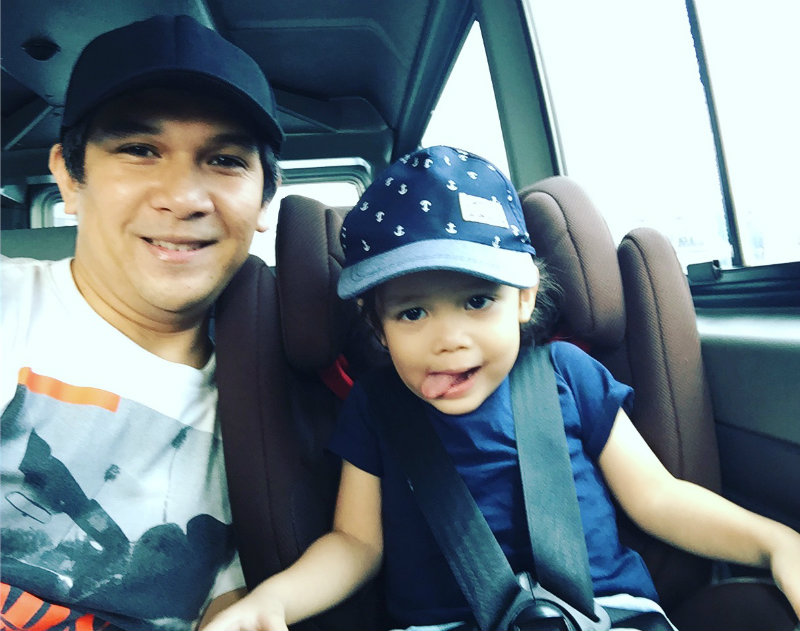 MONEY WELL SPENT. Mark Escueta spent P17,000 for a brand-new car seat for son Pele, money he considers well spent. The car seat kept the boy safe during a car crash that left Pele's mom, actress and TV host Jolina Magdangal, with slight injuries. Photo courtesy of Mark Escueta