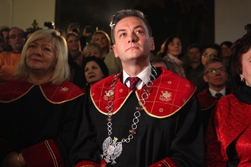 Openly gay mayor takes power in Polish city