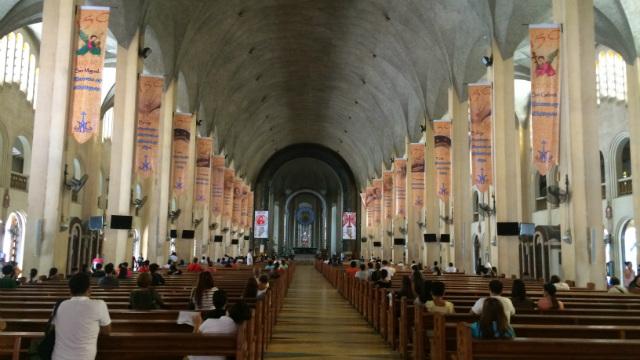 how to go to baclaran church