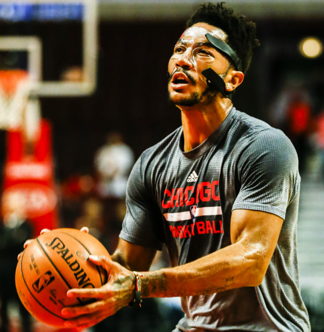 WATCH: Derrick Rose Makes Pre-season Debut In Protective Mask