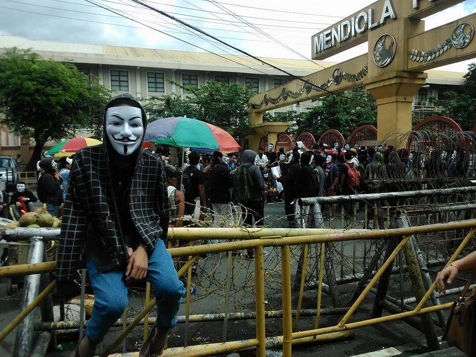 ANONYMOUS. Photos taken at the event reveal a passionate, but non-violent, protest of nearly one hundred people, most wearing the iconic Guy Fawkes mask that has since been associated with the group. Photo courtesy of Anonymous Philippines