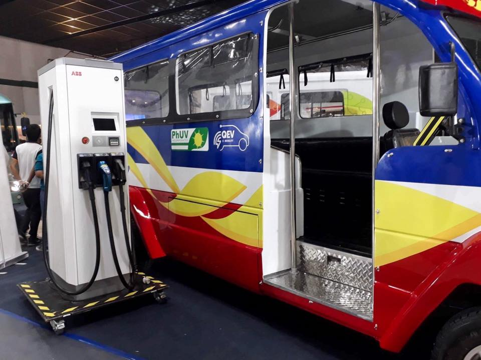 NEW. One of the designs of the new jeepney features colors of the Philippine Flag.