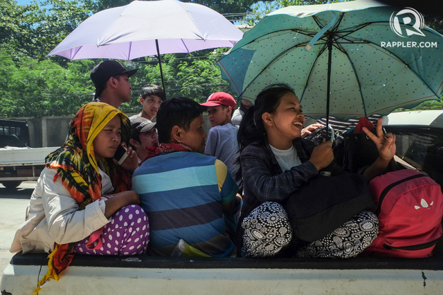 COMING HOME. Residents of Marawi City are coming home after the clash. Photo by Bobby Lagsa/Rappler