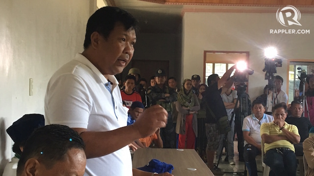 VOLUNTEER. Barangay Butig Proper chairman Punde Ander wants goverment to give him firearms to fight the Maute Group. Rappler photo