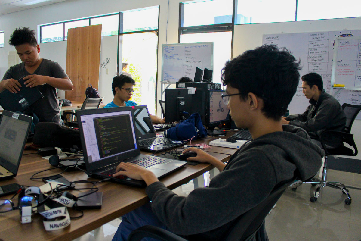 NAVIGATE. Navigatú incubatees working on their startup projects at their headquarters. Photo from DOST Caraga