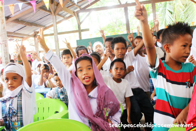 FUN AND LEARNING. The children at Haji Salik Elementary School learning the Go Peace Clap. All photos from TPBPM