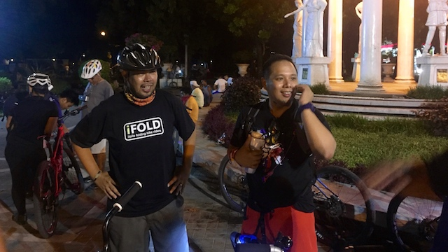BIKING COMMUNITY. The iFOLD biking group hopes to promote cycling in Iloilo City. Photo by Katerina Francisco/Rappler