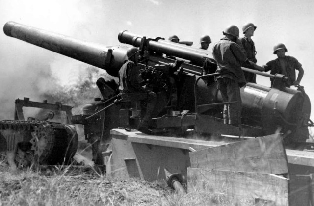 WEAPON. The US Army 240mm howitzer was used in action during the battle of Manila. Photo from Wikimedia Commons