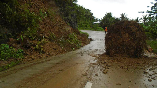 LANDSLIDE. A landslide occurs along Lagonoy-Presentacion Road, the Camarines Sur 3rd District Engineering Office reports on September 12, 2017. Photo by Lucy Cataneda/DPWH Region V
