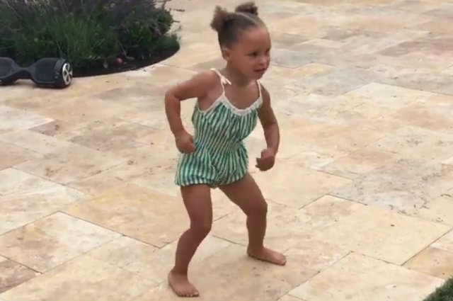 watch  riley curry celebrates birthday by dancing the nae