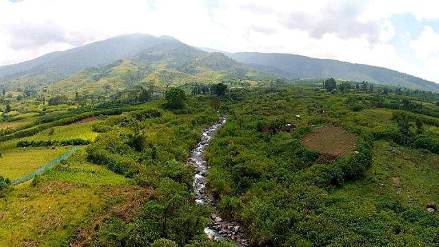 RIDGE-TO-REEF. Mt Kalatungan, revered for its natural beauty and bounty, faces environmental degradation brought about by illegal logging, hunting of endangered species, socio-economic pressures, and other excessive human activities. Photo by Anthony Jacob Karagdag