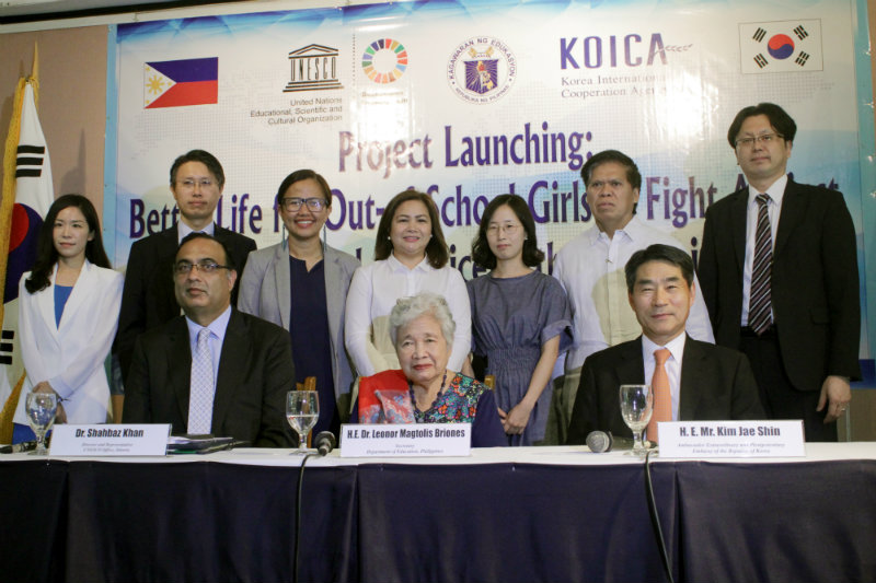 STAKEHOLDERS. Over 50 representatives from key offices of DepEd, UNESCO, KOICA, and SEAMEO INNOTECH attends the launch of the new ALS project for female out-of-school youths. Photo by Cielo Esmeria/Rappler