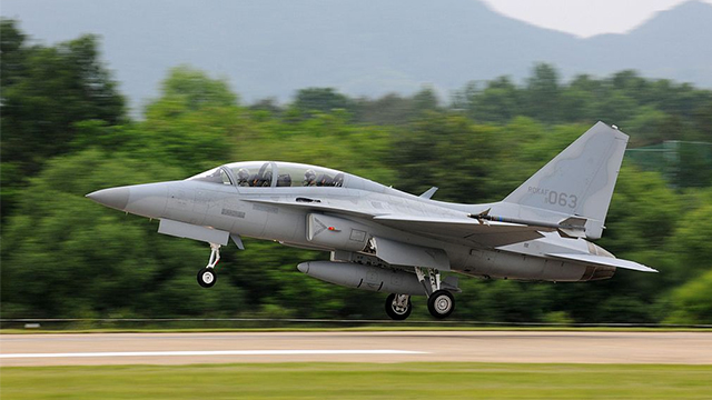 CATCHING UP. The Philippines will have 12 FA-50 fighter jets in 2017. Image from Wikipedia
