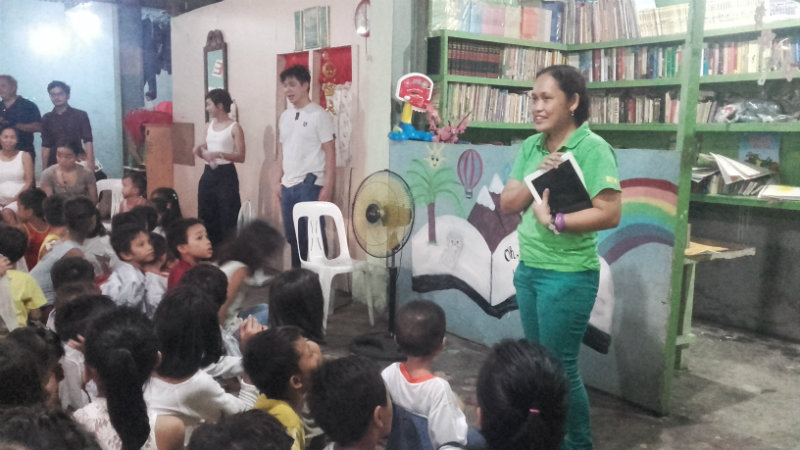 VOLUNTEER. Remy Cabello talks to her pupils
