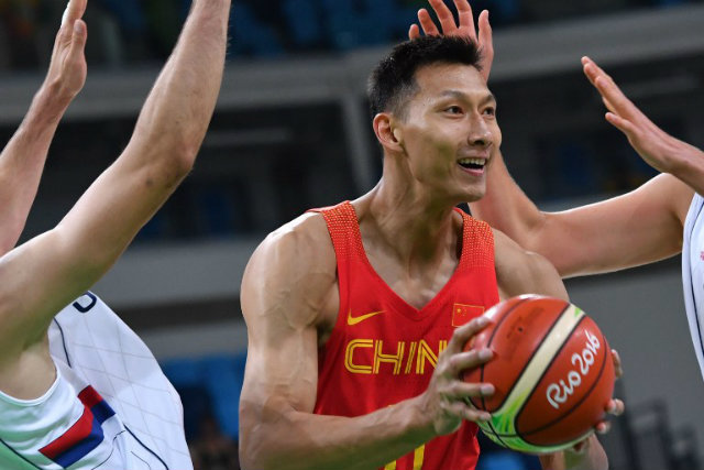 LAKERS-BOUND. 2015 FIBA Asia MVP Yi Jianlian of China, seen here in the Rio 2016 Olympic Games, is signed by the Los Angeles Lakers. Andrej ISAKOVIC / AFP