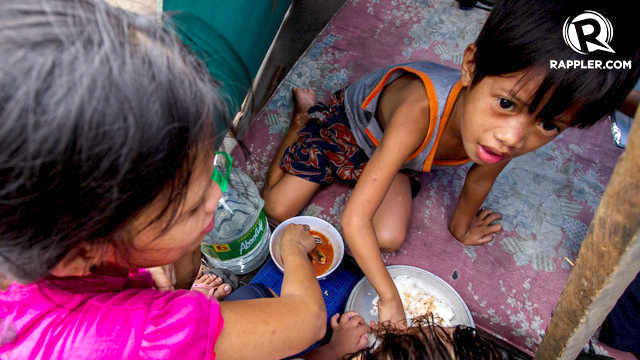 HUNGER. Around 2.2 million Filipino families suffer from food scarcity and malnutrition, according to aSocial Weather Stations (SWS) survey.