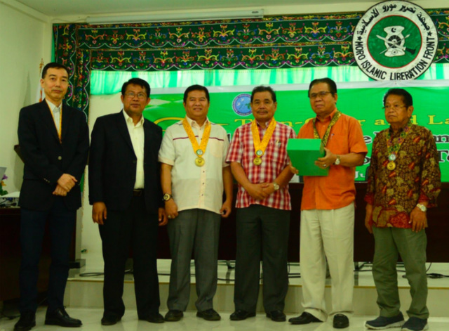 FOR DEVELOPMENT. JICA officials turn over the final development plan to the Bangsamoro Development Agency and the Moro Islamic Liberation Front (MILF) officials. Photo from JICA