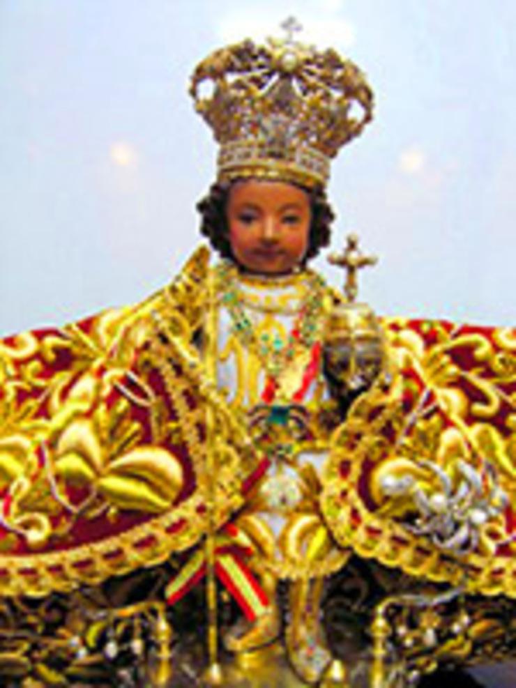 santo-nino-de-cebu-wikimedia-20140806-2_