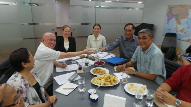 MANILA TALKS. The Philippine government and the National Democratic Front agree to hold talks in Manila to fast track the process. Photo from the Twitter page of government negotiator Hernani Braganza