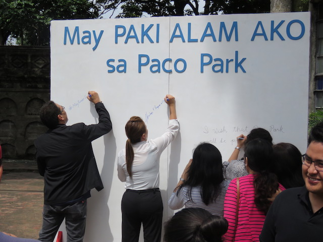 PACO PARK RESTORATION. Escuela Taller de Filipinas Foundation, Incorporated and the National Parks Development Committee (NPDC) lead the unveiling of the campaign banner where people can write their messages of support for Paco Park. All photos by Escuela Taller de Filipinas Foundation, Incorporated