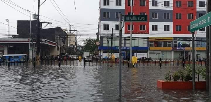 ESPAÑA Boulevard in Manila. Photo by Twitter user @PieIncha