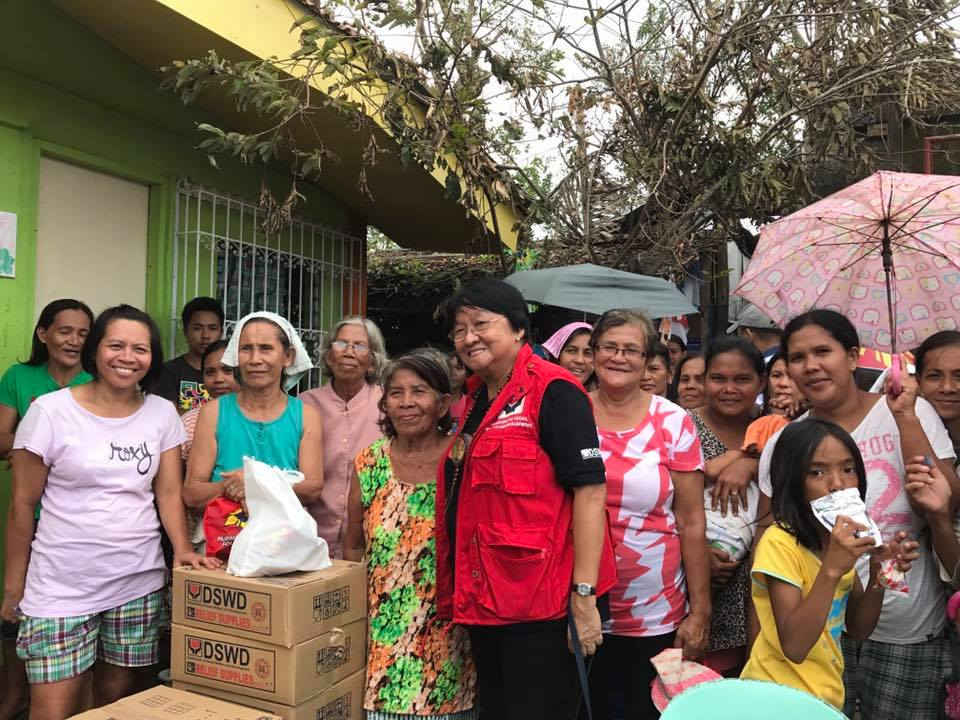RIZAL DAY RELIEF OPERATION. Social Welfare Secretary Judy Taguiwalo spends the Rizal Day holiday visiting typhoon-stricken areas in Calabarzon, Mimaropa, and Marinduque. Photo courtesy of DSWD