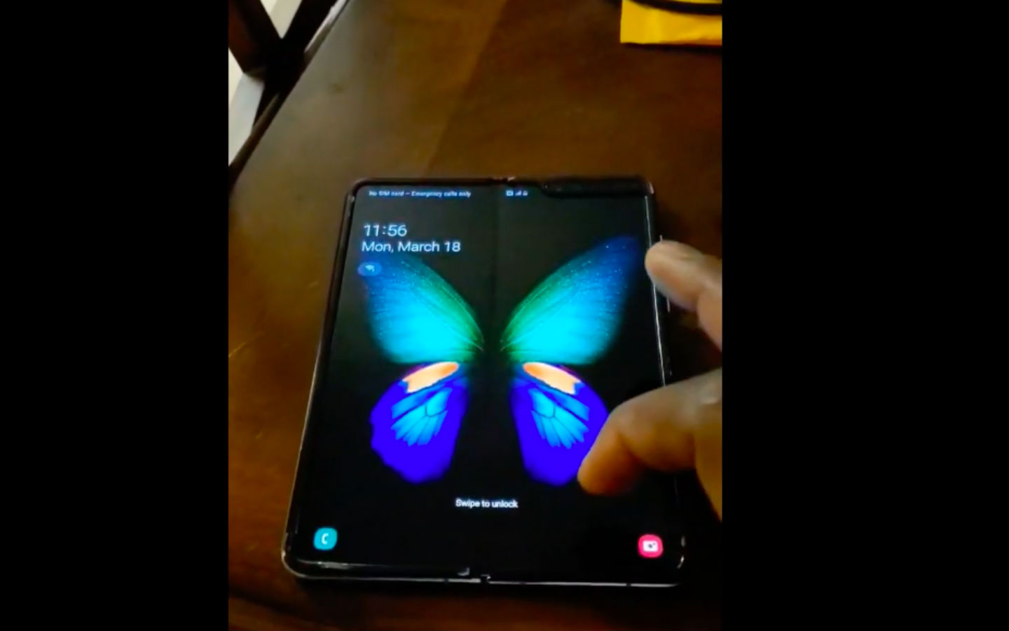 WATCH: Is this the first user-made Samsung Galaxy Fold hands