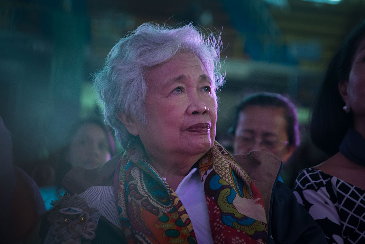 DYNASTY OF TEACHERS. In her speech during the National Teachers' Day celebration in Legazpi City, DepEd Secretary Leonor Briones shares that she came from a dynasty of teachers. All photos by Vee Salazar/Rappler